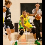 Kiesha Lindsay Brown intenta la penetración